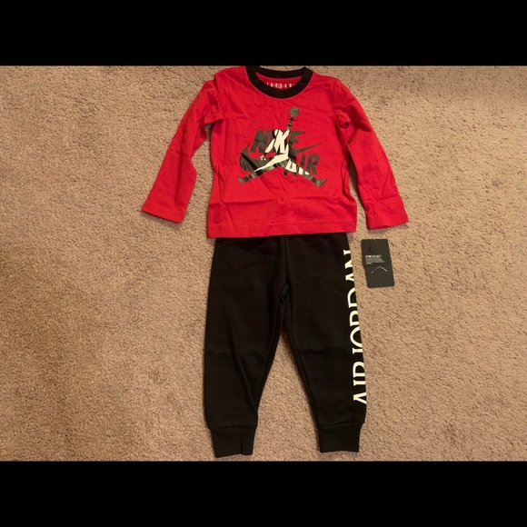 Brand New Jordan Boy's 2pc Set....Size 2T or 3T
